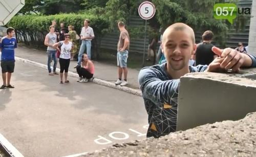Харьковских студентов насильно удерживали в военкомате