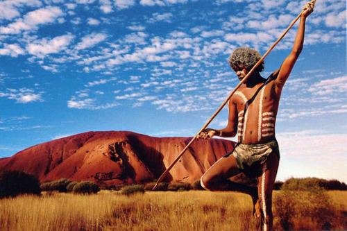 Многоликая скала Улуру в Австралии