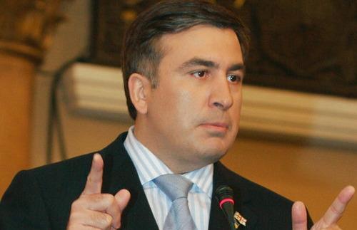 Саакашвили приехал на выборы на велосипеде