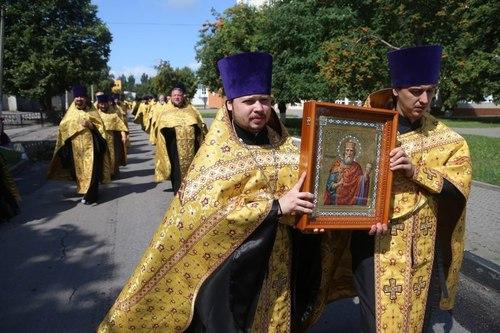 Москвичи о канонизации Путина (ВИДЕО)