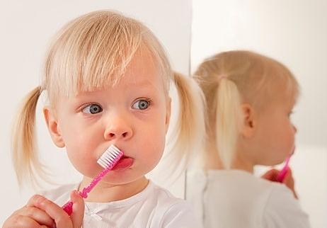 Невероятно, но факт: Чистить зубы бывает вредно