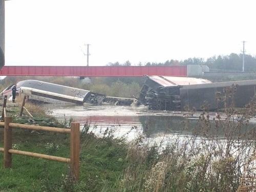 На востоке Франции сошел с рельсов поезд, есть жертвы