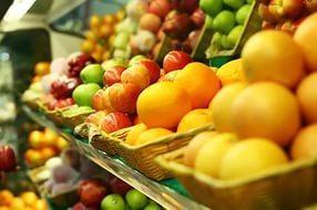 В Україні очікують зниження цін на імпортні овочі та фрукти