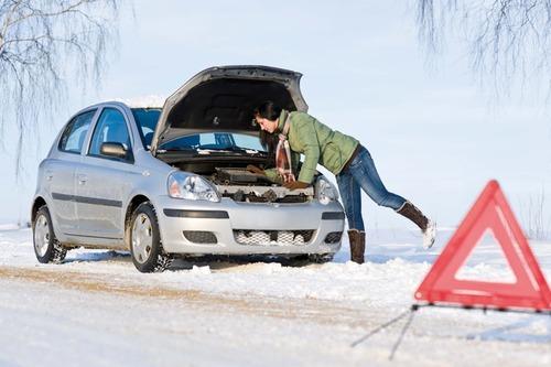 Какие инструменты полезно иметь зимой в машине