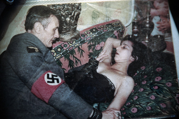 Adolf hitler with naked women