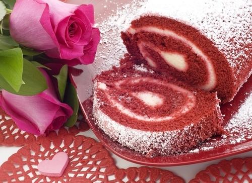 Десерт на 14 февраля: готовим ягодный рулет