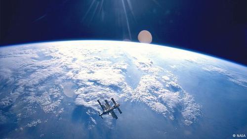 """30 лет космической станции """"Мир"""": как это было"""