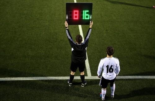 В футболе появится четвертая замена