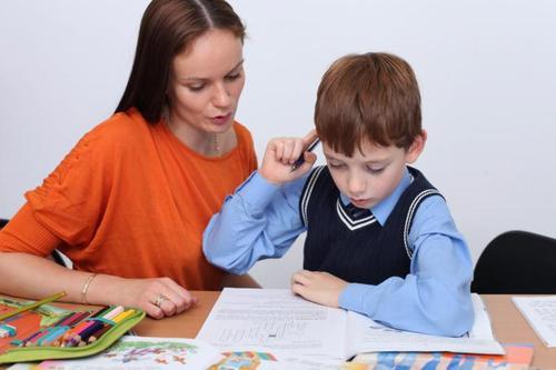 Школьные домашние задания вредят учебе