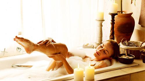А вы делали когда-нибудь массаж стоп? Попробуйте - это очень приятно и полезно