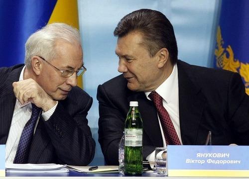 Янукович и Азаров получили российское гражданство