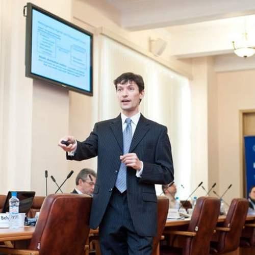 Самым выдающимся молодым экономистом США в 2016 году признан украинец