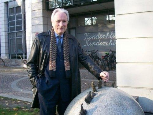 Украина, готовя медиков, клонирует российскую систему, которая стоит в тупике, – профессор из Литвы