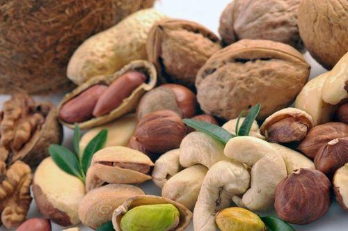 Орехи защищают от рака и старческого слабоумия