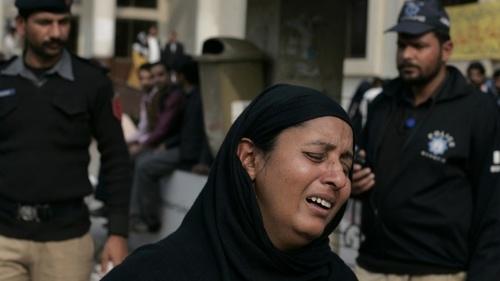 """""""Слегка бить жену"""" или Защита женщин по-пакистански"""