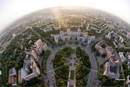 В Харькове арестовали мошенников, отбиравших жилье у одиноких стариков