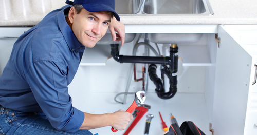 Учимся жить без ЖЭКов: как в доме с ОСМД вызвать электрика или сантехника