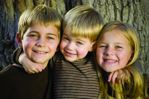 Как братья и сестры влияют на нашу жизнь