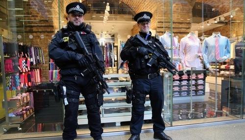 82 охранника Евро-2016 оказались потенциальными террористами