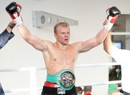 Украинский боксер завоевал титул чемпиона Европы (видео)