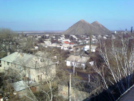 Ночью боевики обстреляли Торецк, сильно повреждены дома