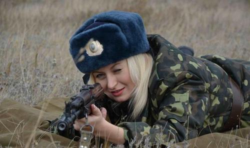 Женщинам разрешили быть снайперами в ВСУ