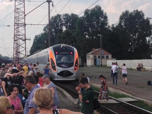 """О чем говорят в поезде """"Киев-Война"""" - Виталий Дейнега"""