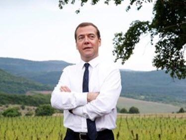 """""""Просьба не рассказывать о трудностях"""": Медведев выдал новую громкую цитату"""