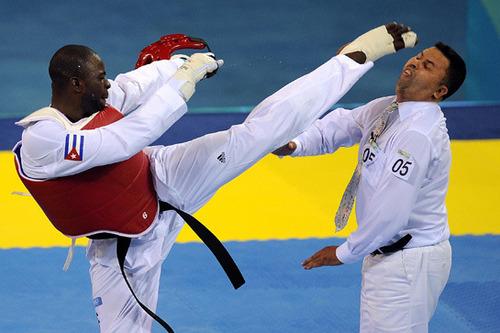 10 громких скандалов Олимпийских игр (видео)