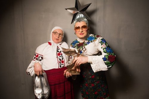 На Сорочинской ярмарке избили маму Верки Сердючки