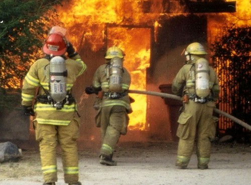 При пожаре на складе на северо-востоке Москвы погибли 17 человек