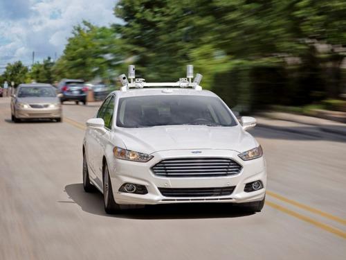 Ford выпустит автомобиль без руля и педалей