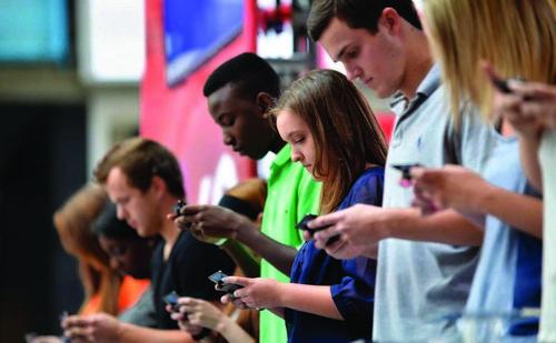 Сотовые телефоны могут вызвать у подростков рак