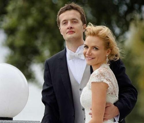 Жена Алексея Порошенко заработала в 25 раз больше него