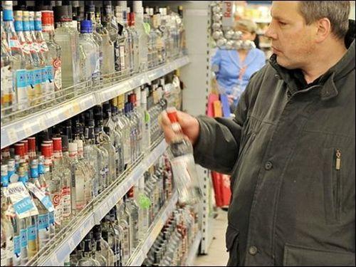 В украинских магазинах подорожает водка