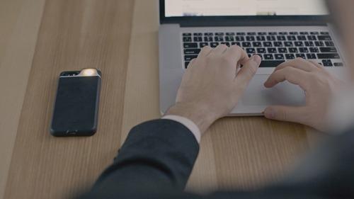 Украинцы создали новый стартап - чехол-вспышку для IPhone