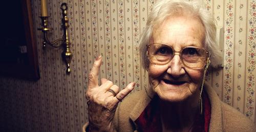Бабушка-должница довела коллектора до самоубийства
