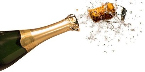 Ученые рассказали всю правду о шампанском