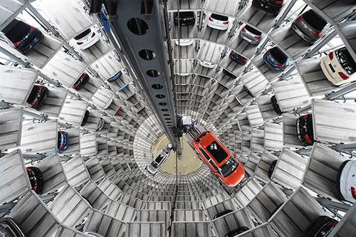 Полгода спустя водитель нашел «потерянный» на парковке BMW