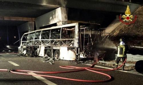 В Италии автобус попал в ДТП, погибли 16 человек