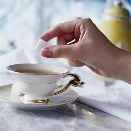 Чай нужно пить исключительно с сахаром - диетологи