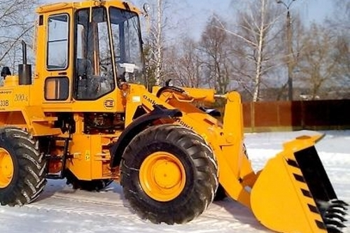 Водитель трактора завалил ребенка снегом, мальчик задохнулся