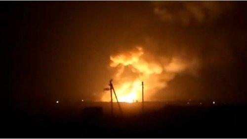 Пожар и взрывы на складах боеприпасов в Харьковской области