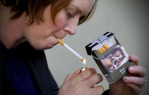 Большинство курильщиков – малообеспеченные люди