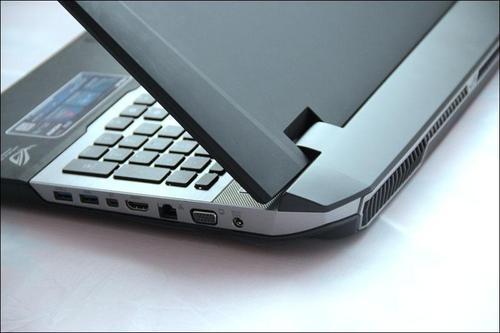 Microsoft выпустит первый в мире гнущийся ноутбук