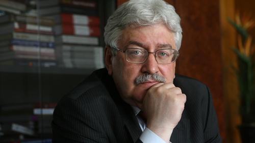 Зачем власть из академика Пивоварова делает академика Сахарова