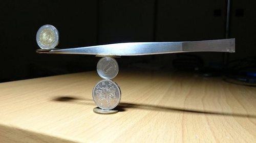 Невероятные инсталляции из монет