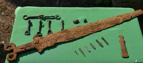 Под Славянском нашли скифский меч 5 века до н.э. (ВИДЕО)