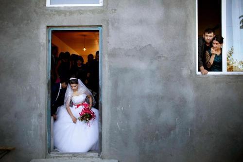 С 12 лет: Как живут девочки-невесты в Грузии