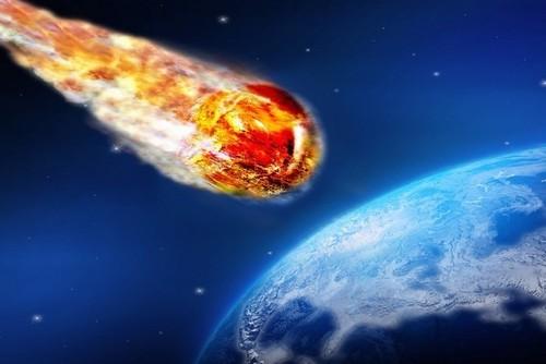 К Земле летит опасный астероид